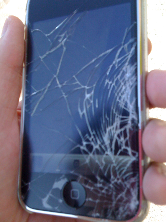 iPhone3Gのガラス破損